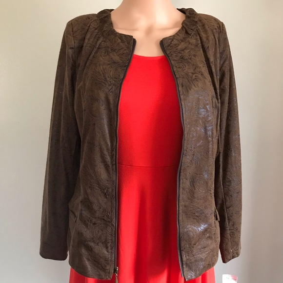 Notations Jackets & Blazers - The jacket is lightweight, confortable and nice.